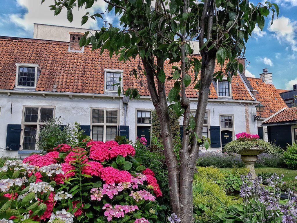 Courtyard van Bakenes in Haarlem
