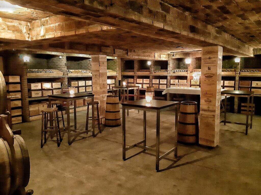 Wijnkelder Bordeaux van Wijnkoperij Okhuysen in Haarlem